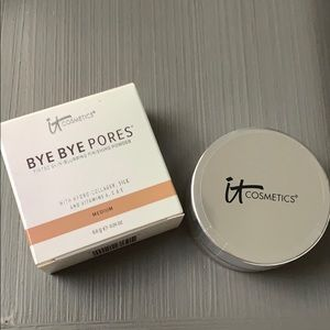 It Cosmetics Bye Bye Finishing Powder